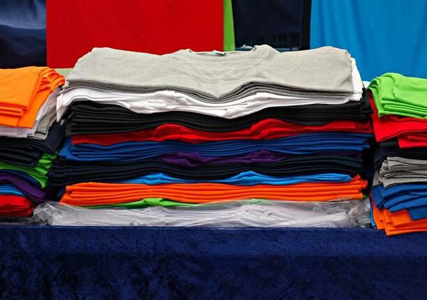 make-money-selling-customized-t-shirts