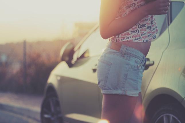 how-to-wear-denim-shorts